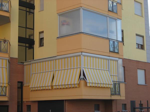 Tende Veranda Balcone : La tenda veranda d estate una tenda da sole d inverno una
