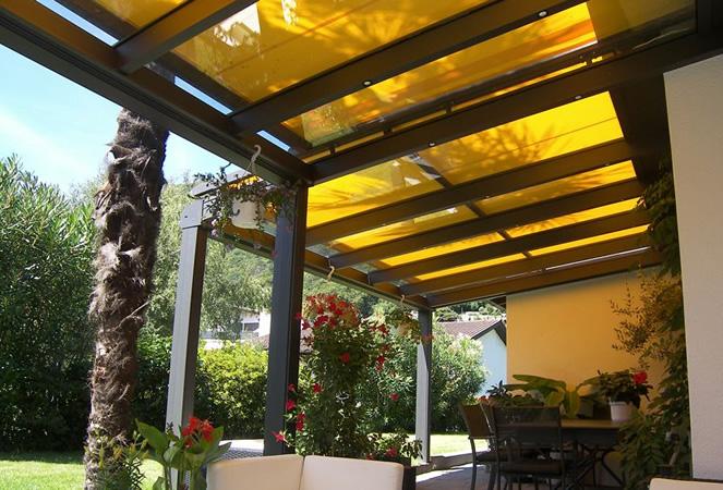 Giardini dinverno e Pergolati in vetro con tettoie fisse ...
