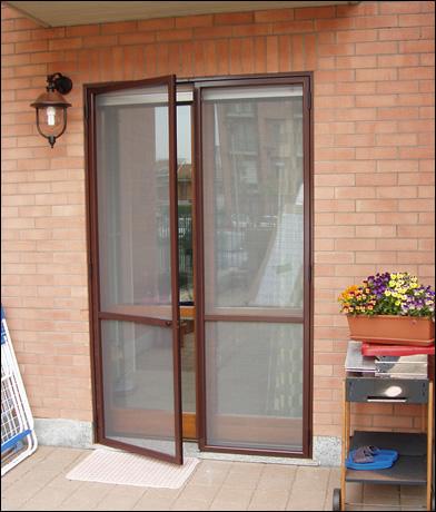 Zanzariere a pliss senza barriere zanzariera striscia - Zanzariera porta finestra ...
